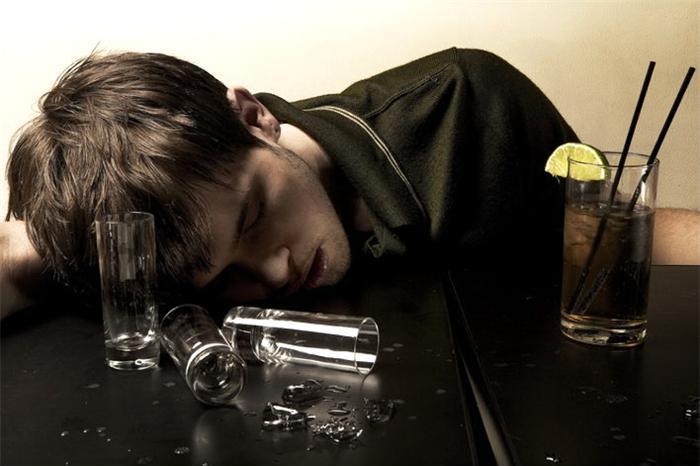 Лечение алкоголизма - возвратите в свою семью покой и уют.