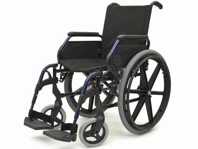 Особенности выбора универсальной инвалидной коляски