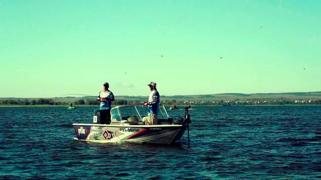 Где искать рыбу летом?