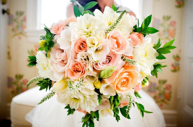 Отличные букеты для свадебных торжеств